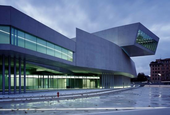 Maxxiinweb what 39 s contemporary art polkadot for Architettura moderna e contemporanea