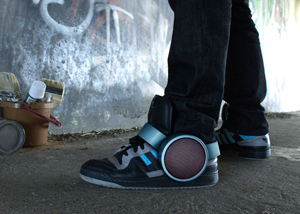 dezeen_Sneaker-Speaker-by-Ray-Kingston-Inc_ss1 22