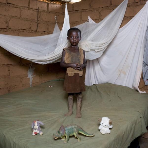 gabriele-galimberti-toy-stories-chiwa-mwafulirwa-malawi