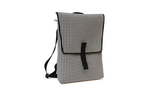 backpack_front_vichy_black