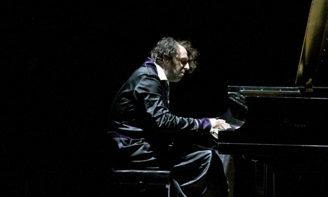 Chilly-Gonzales-659x396