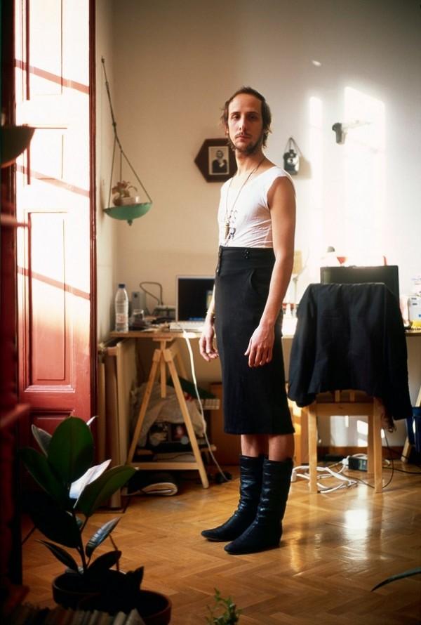 men-wearing-girlfriend-clothes-jon-uriarte-2