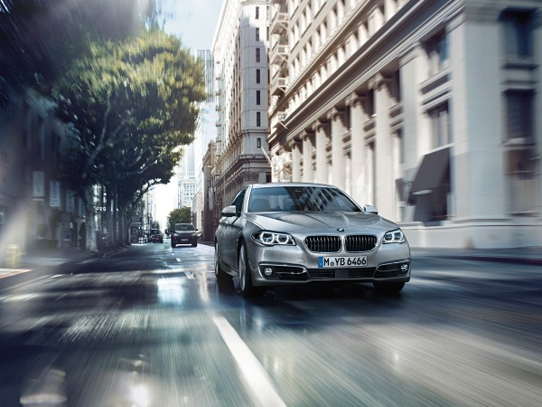 wallpaper-06-5-series-sedan-1600-1200