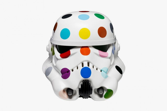 damien-hirst-stormtrooper-helmet-for-art-wars-1