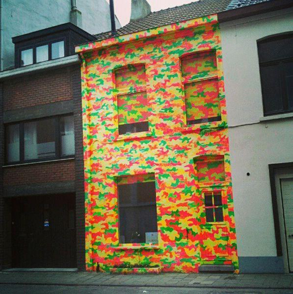 Tetris style house, from http://uglybelgianhouses.tumblr.com/