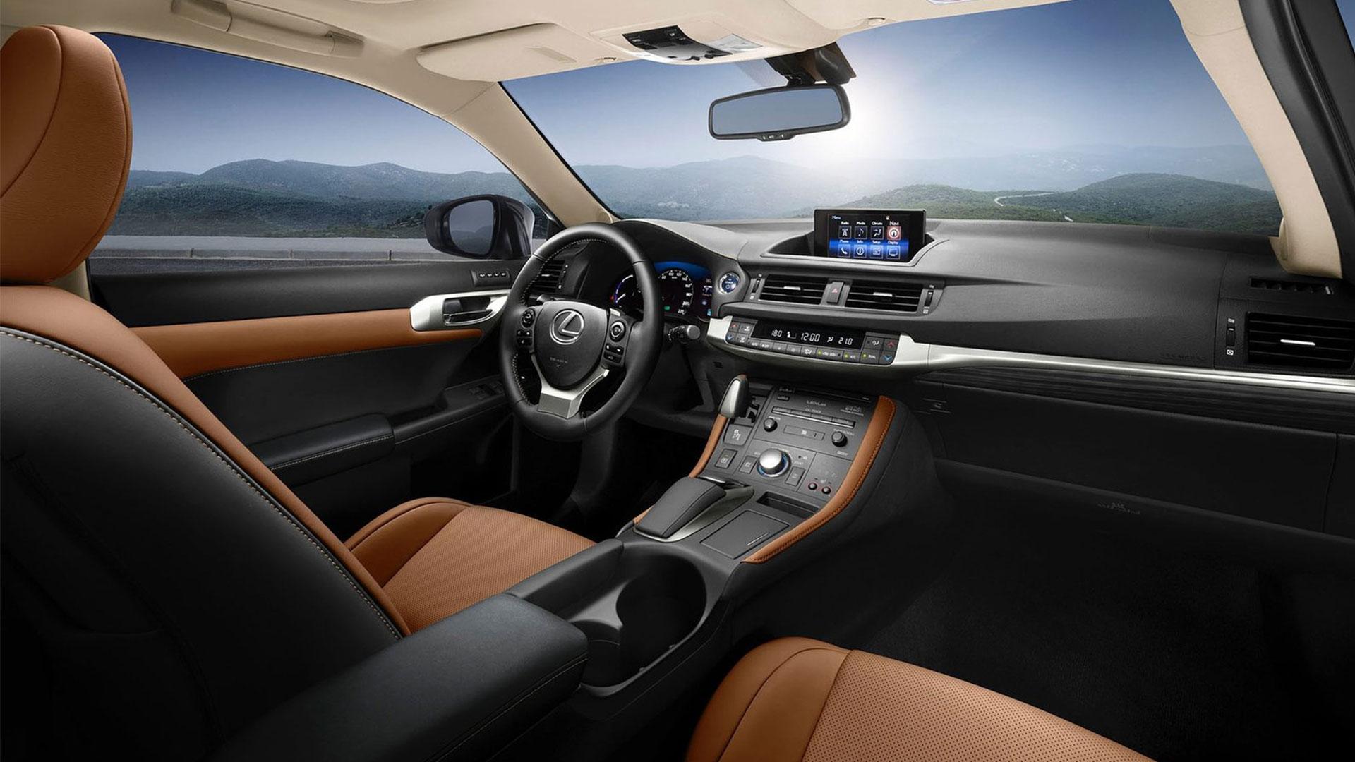 Lexus-CT-200h-interior