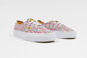 The-Beatles-Yellow-Submarine-by-Vans_Authentic_All-You-Need-Is-Love_Spring-2014_1