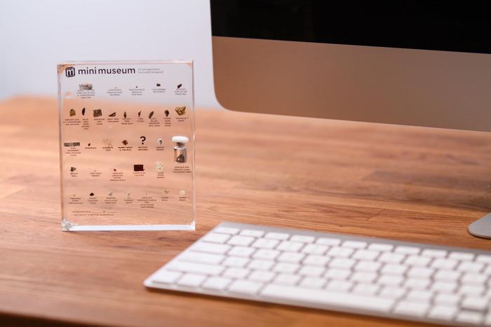 mm-closeup-desk-mac