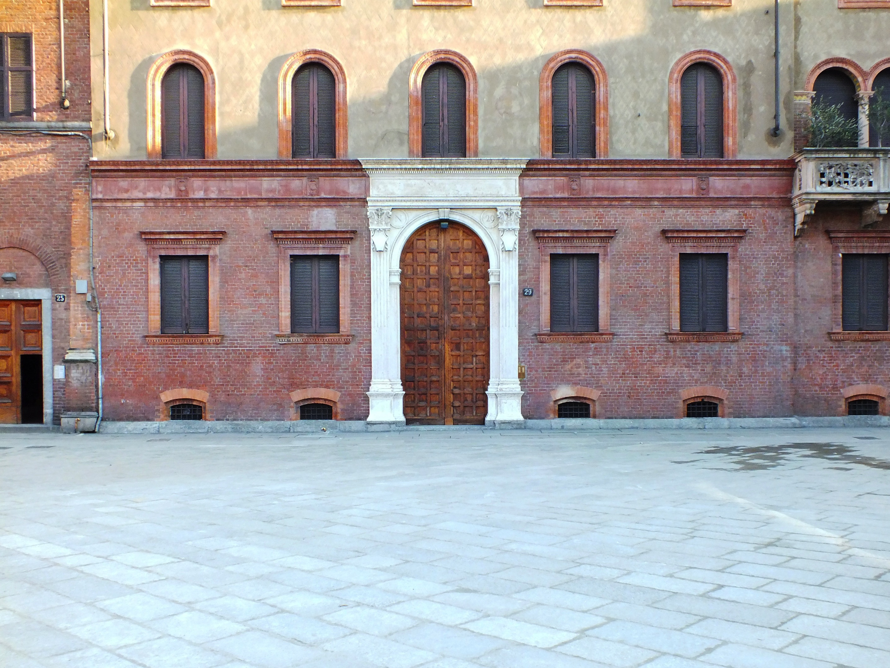 In giro per le 5 vie il nuovo distretto culturale di for Vie di milano