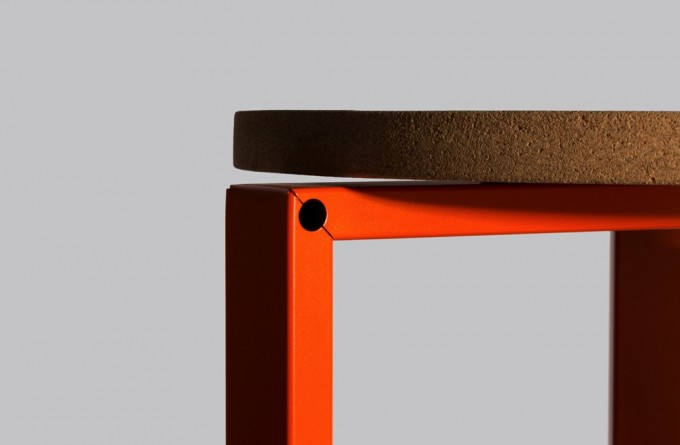 WH Stanley Stool orange 01