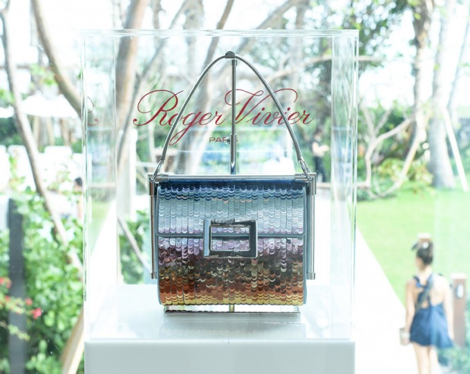 Roger vivier celebrates miss viv l arcobaleno bag by for Arcobaleno design