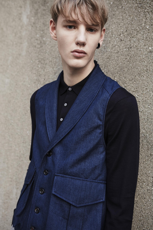 The shawl collar waistcoat_denim_portrait