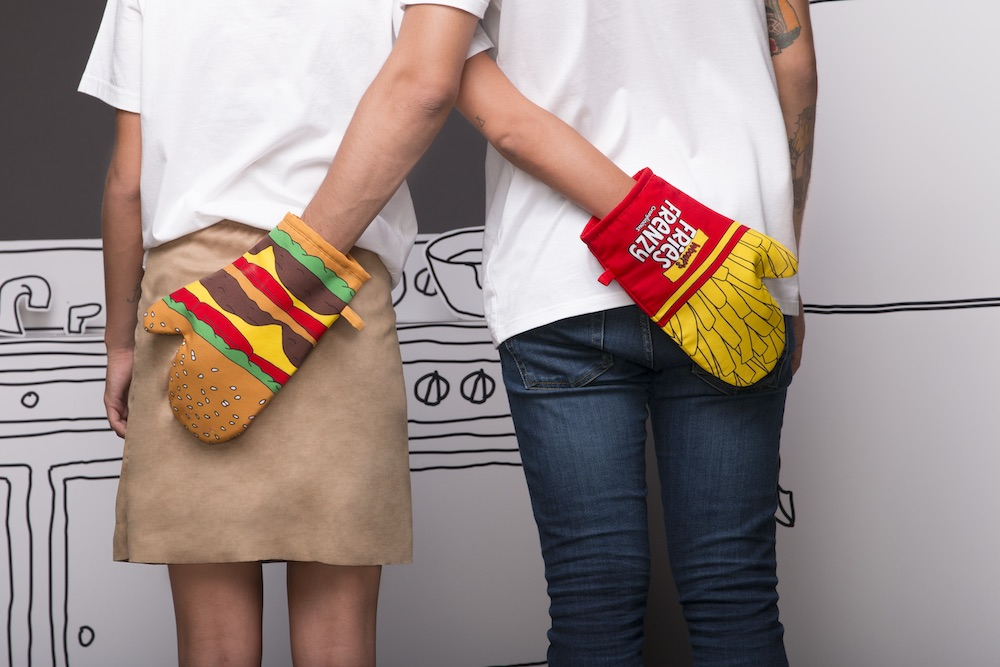 BURGER AND FRIES MITT