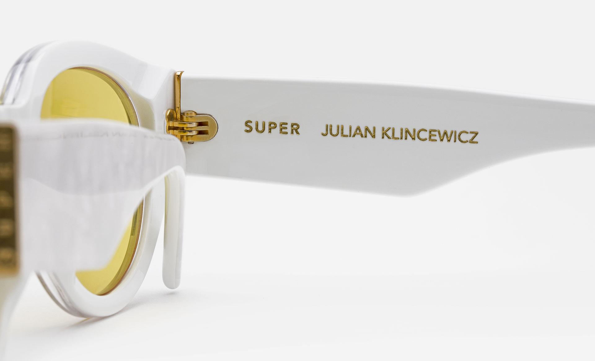SUPER / Julian Klincewicz