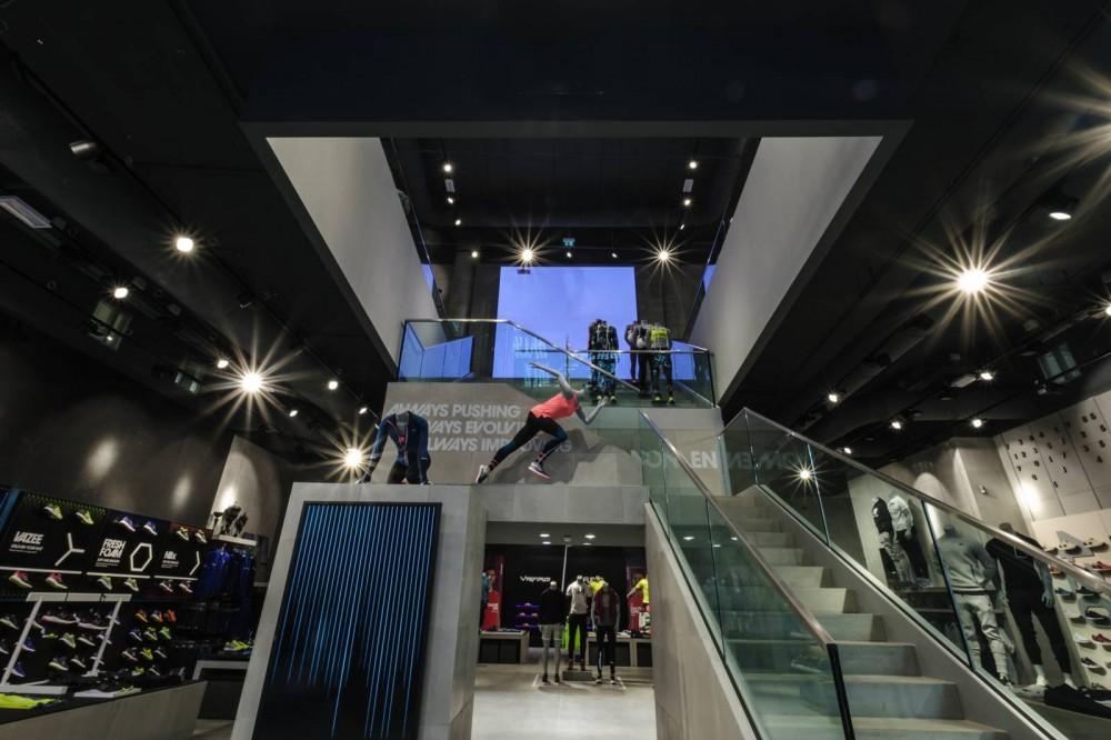 new_balance_store_milan-70
