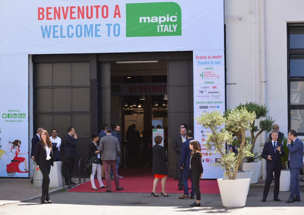 MAPIC ITALY 2016 - ATMOSPHERE - OUTSIDE  - MAIN ENTRANCE