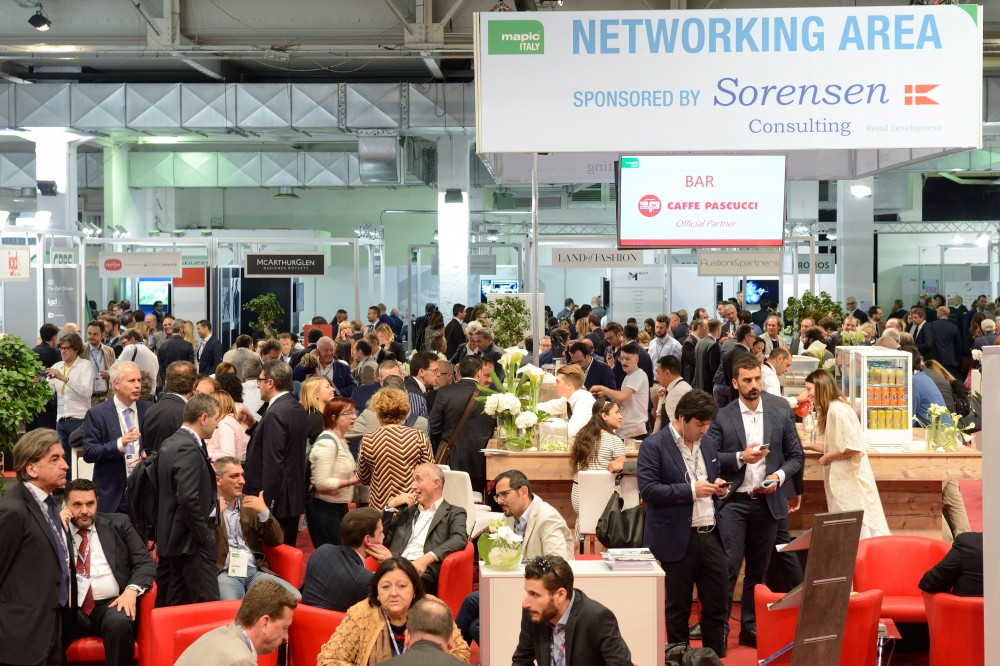MAPIC ITALY 2016 - ATMOSPHERE - INSIDE - EXHIBITION AREA - NETWORKING AREA