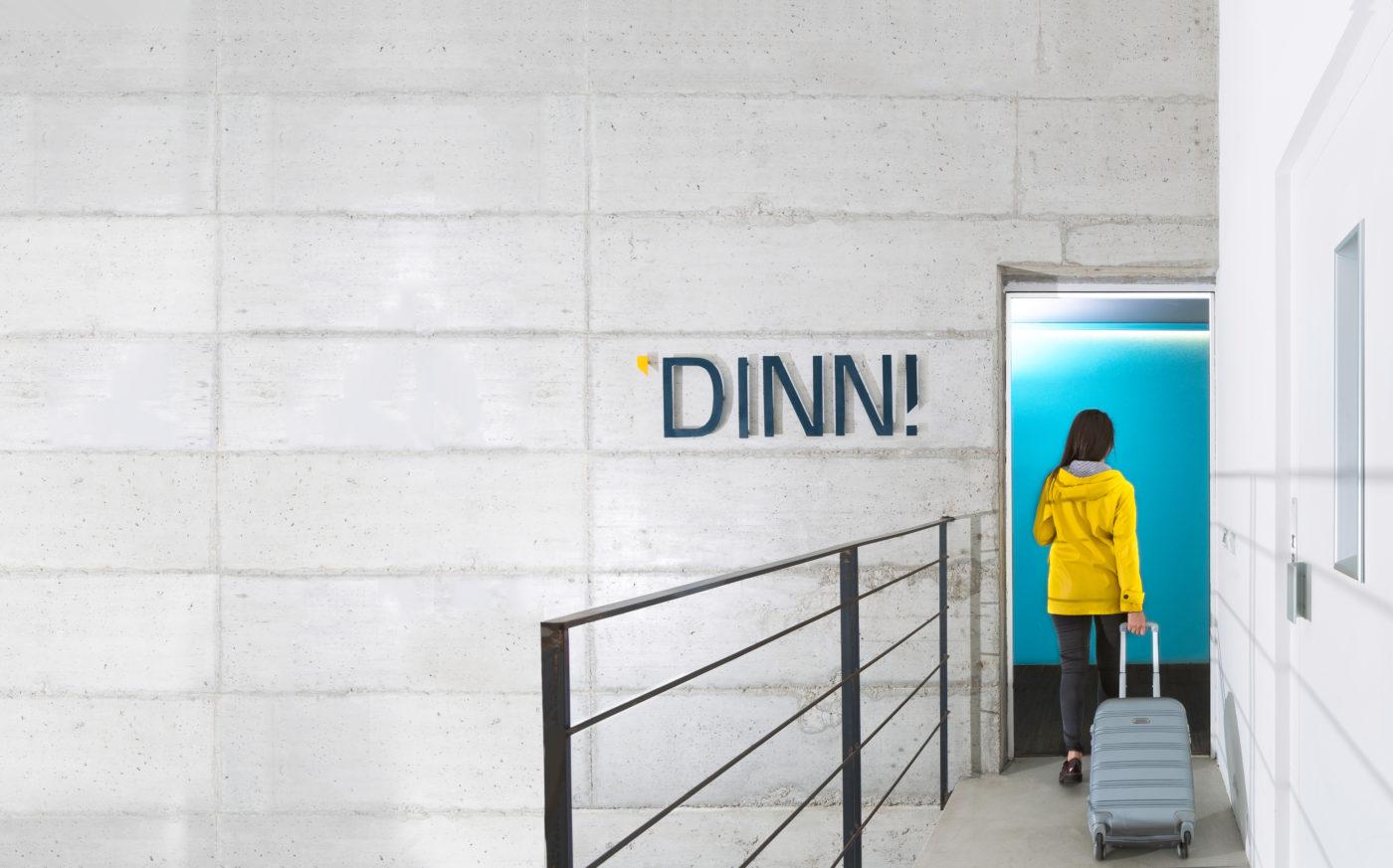 L'ingresso degli uffici milanesi di DINN!