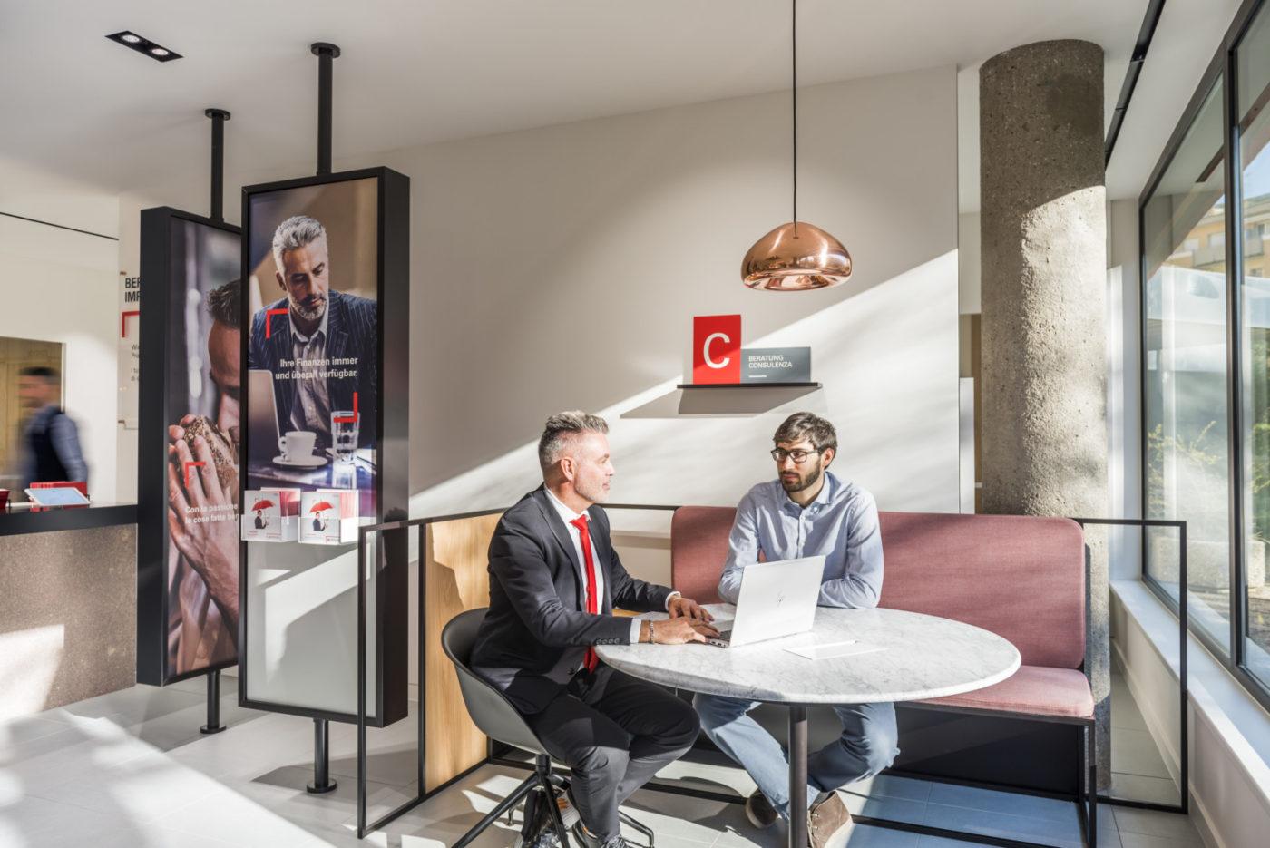 La nuova filiale Sparkasse a Bolzano